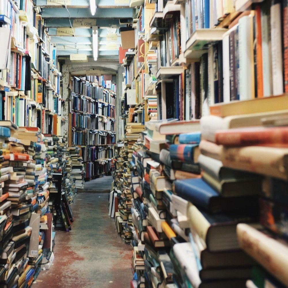 Emmaüs, la plus grande librairie de France