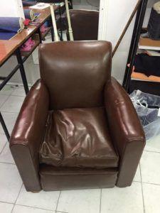 fauteuil cuir vintage à restaurer