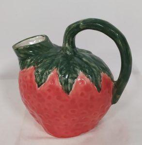 carafe fruit vintage