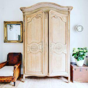 armoire @frenchantiquecompany
