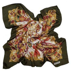 foulard carré de soie vintage seconde main luxe classe chic élégant hermès noir doré