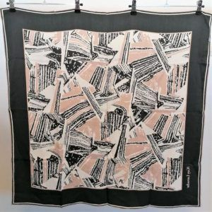 foulard carré de soie vintage seconde main luxe classe chic élégant lanvin gris noir rose saumon géométriques motifs
