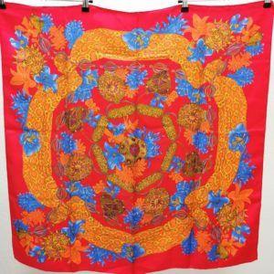 foulard carré de soie vintage seconde main luxe classe chic élégant rouge et bleu vif gai