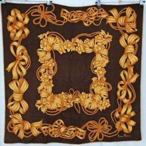 foulard carré de soie vintage seconde main luxe classe chic élégant noir or noeuds