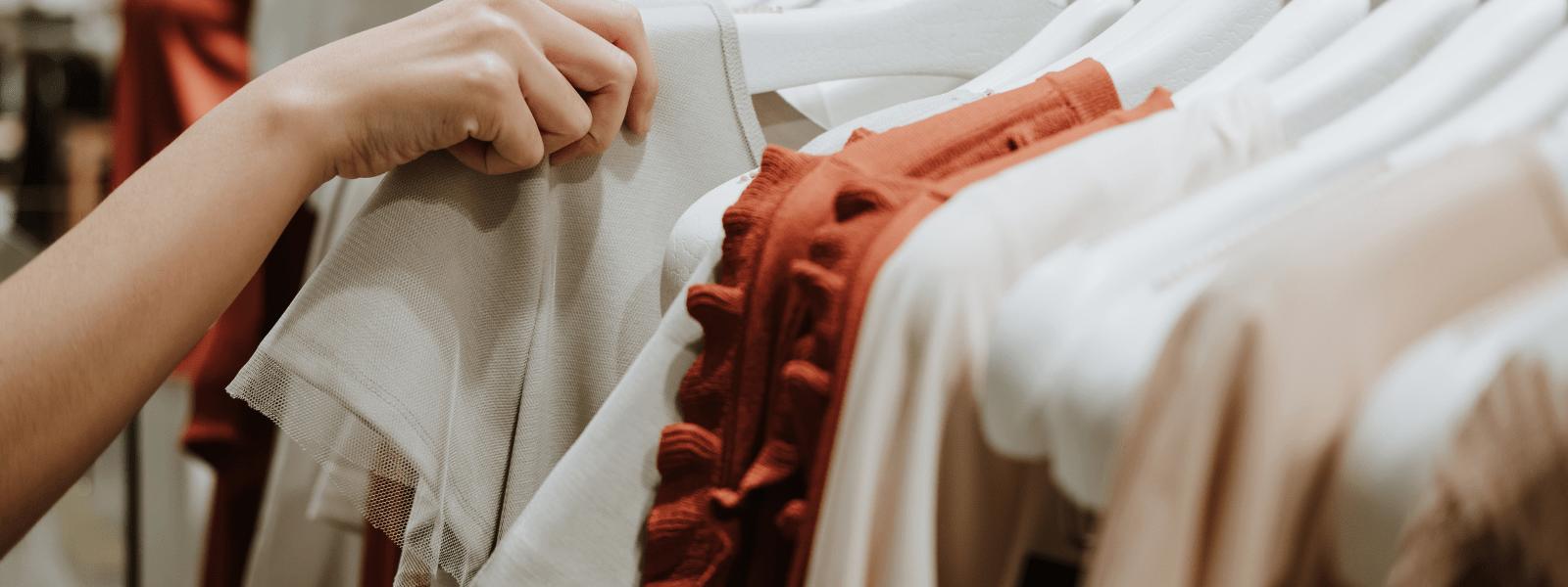 Les 5 pièces mode intemporelles de la rentrée